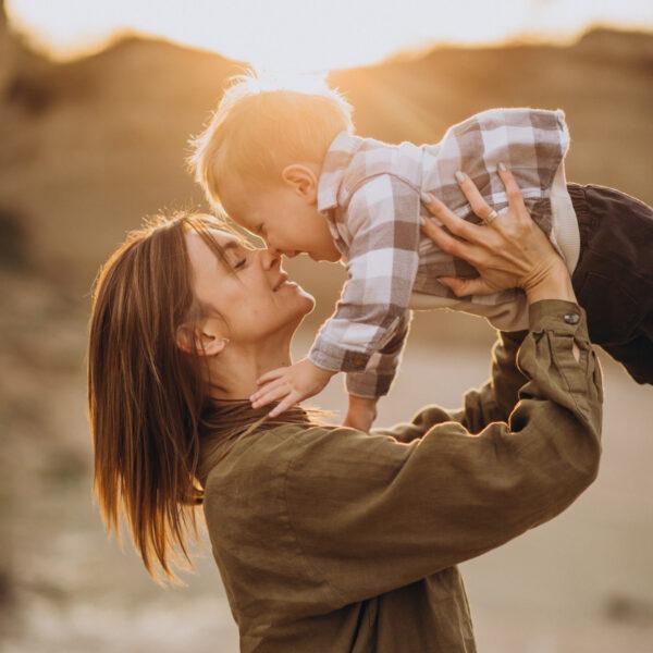 IG-igra-young-mother-having